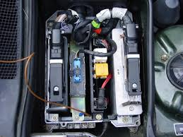 bmw e32 fuse box it contains from left to right
