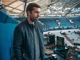 Check spelling or type a new query. Fc Bayern Dazn Mann Hagemann Lobt Fcb Kader Und Hofft Auf Auszeichnung Fur Lewandowski Fc Bayern