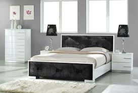 White High Gloss Finish Contemporary Bedroom W/Black Leatherette