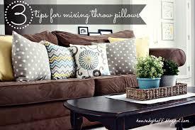 how to mix throw pillows via housebyhoff com