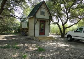 a very very tiny cabin in the woods tiny house pins Very Small Cabins