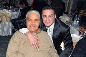 وفاة والد الفنان محمد رجب بعد تعرضه لوعكة صحية