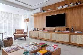 Esta sala de estar de tons claros é a prova de que as cores neutras podem, sim, compor um ambiente. Ambientes Claros Casa De Valentina