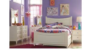 Jaclyn Place Ivory 5 Pc Full Panel Bedroom