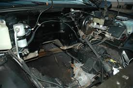 """6l """"lq9"""" engine installation finally i attached waterproof connectors to the wire ends so the engine harness and chassis body harnesses could be easily separated"""