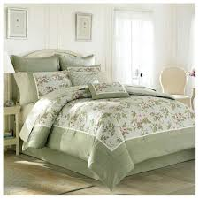 dark green bedding
