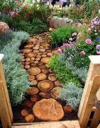 garden decorations. 1. Gorgeous Wood Pathway: Garden Decorations