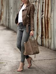 helena glazer is decisively rocking the brown leather jacket look pairing this one with a