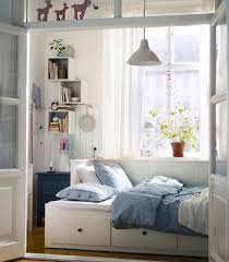 Simple Bedroom Designs For Small Spaces Space Saving Ideas For Small Bedrooms 9272