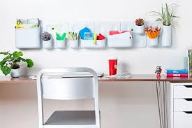 Decorate your office space How to make your work space look more
