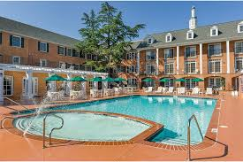westgate historic williamsburg pool and jacuzzi
