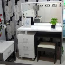 about how to build a makeup vanity design that will make you feel blithe for home