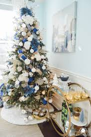 blue-and-white-christmas-tree-with-bar-cart-