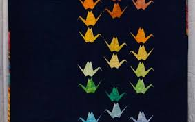 Use of Negative Space | The Modern Quilt Guild & Paper Cranes by Sylvia Schaefer, 2013 Adamdwight.com
