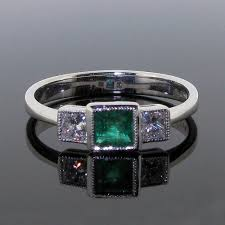 18ct white gold emerald diamond ring