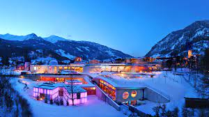 Wallpaper Lindner Alpentherme in winter ...