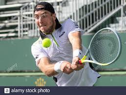 Indian Wells, USA. 08th Oct, 2021. Tennis, ATP Tour - Indian Wells, men,  1st round, Jan-Lennard Struff (Germany) - Daniel Elahi Galan (Colombia):  Tennis professional Jan-Lennard Struff plays a ball during the