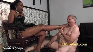 Foot fetish and black dominatrix
