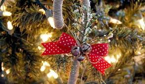 Christmas Decorations With Candy Canes Fun Ways to Decorate With Candy Canes LoveToKnow 87