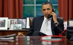 the oval office desk. obama has been seen on countless occasions with an ipad and based the picture below yes president a computer at his desk in oval office