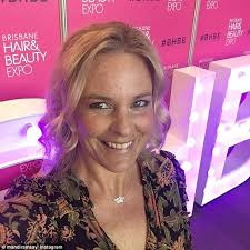 amanda who runs secrets from a beauty insider and teaches mastercles to women over 40