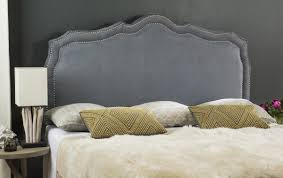Inspired by the interiors of a manor in the heart of Devonshire, this  traditional grey headboard is a classic articulation of good taste.