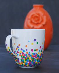 Make a super easy, adorable mug with just Q-tips and enamel paint!