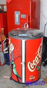 Personal 12 Can Soda Vending Machine Custom Round CocaCola Cooler On Wheels With Lid As French Fry