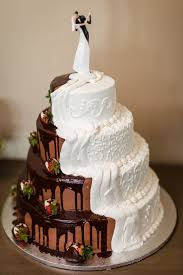 Combined Chocolate And Vanilla Bride And Grooms Cake