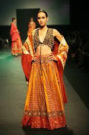 sabyasachi mukherjee wedding bridal dresses 02