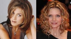 Krásne ženy Po 40 Rokoch S Dlhými Vlasmi štýlové účesy Pre ženy Vo
