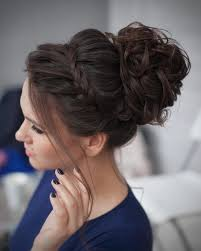 How To Do Hairstyles 0 Inspiration Messy Bun With Accent Braid 24 Curly Homecoming Hairstyles You Can