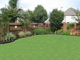 Best 25+ Landscaping along fence ideas on Pinterest   Privacy ...