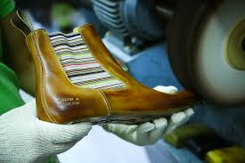 at melvin hamilton we choose the kind of leather we use for our shoes very carefully they are chosen depending on certain quality and criteria to become