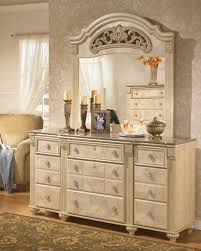 Bedroom Mirror/Saveaha/Light Beige by Ashley Furniture | Deets Home ...