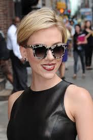 žena In Máte Rády Krátké účesy Zkuste Sestřih Podle Scarlett