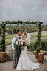 running y ranch resort is one of the most picturesque southern oregon wedding venues with flexible indoor and outdoor es premier catering and more