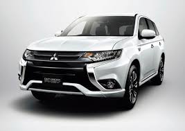 Facelifted Mitsubishi Outlander PHEV Is More Efficient, Gets ...