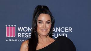 Kyle Richards Gives an Update After She and Daughter Sophia Tested Positive  for COVID-19 | Entertainment Tonight
