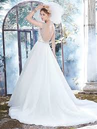 Winter Wedding Dresses 17 Beautiful Bridal Gowns For Your Winter