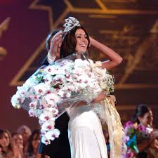 Miss universe is an annual international beauty contest. Miss Universe Canada On Twitter May 31 2005 Natalie Glebova Wins Canada S 2nd Miss Universe Crown In Bangkok Thailand 13thanniversary She Was Also Handed One Of The Best Bouquets Ever In
