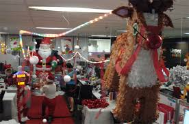 Christmas decorating themes office Snow World Bay Christmas Cubicle Decorating Ideas Letter Of Recommendation Office Theme Dakshco Christmas Theme Office Decorating Ideas Apartmanidolorescom