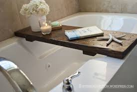 Rustic style bathtub tray design