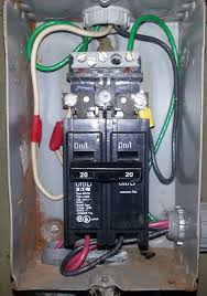 the lower right wires go to the heater the lower left bottom to the pump motor