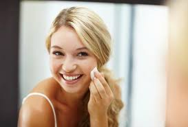 5 sneaky ways to make it look like you re not wearing any makeup