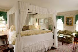 romantic master bedroom with canopy bed. Bedroom:Large Romantic Master Bedroom Decor With White Canopy Curtains Plus Simple Bench Also Blue Bed O