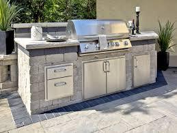 Popular Outdoor Kitchen Design Layouts Sure To Please Unilock - Outdoor kitchen omaha