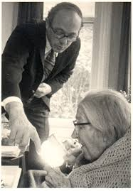 charles w bachman photo essay a m turing award winner charles bachman and sara turing alan turing s mother 1881 1976 1974 sara turing is holding a magnifying glass as her eyesight was failing at
