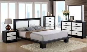 Cali Black/White Bedroom Set by Global