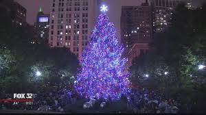 christmas tree lighting chicago. The Crowds, Cuddling Under Their Umbrellas, Didn\u0027t Mind Damp Weather And Were Just Excited To Take In 104th Tree Lighting Ceremony. Christmas Chicago